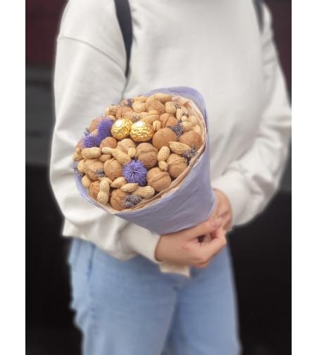 Ореховый букет с лавандой