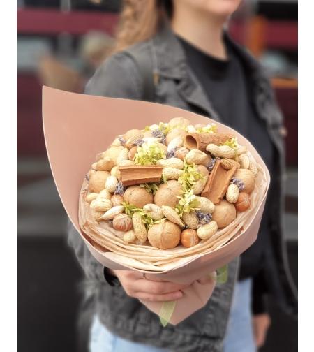Ореховый букет с лавандой и корицей