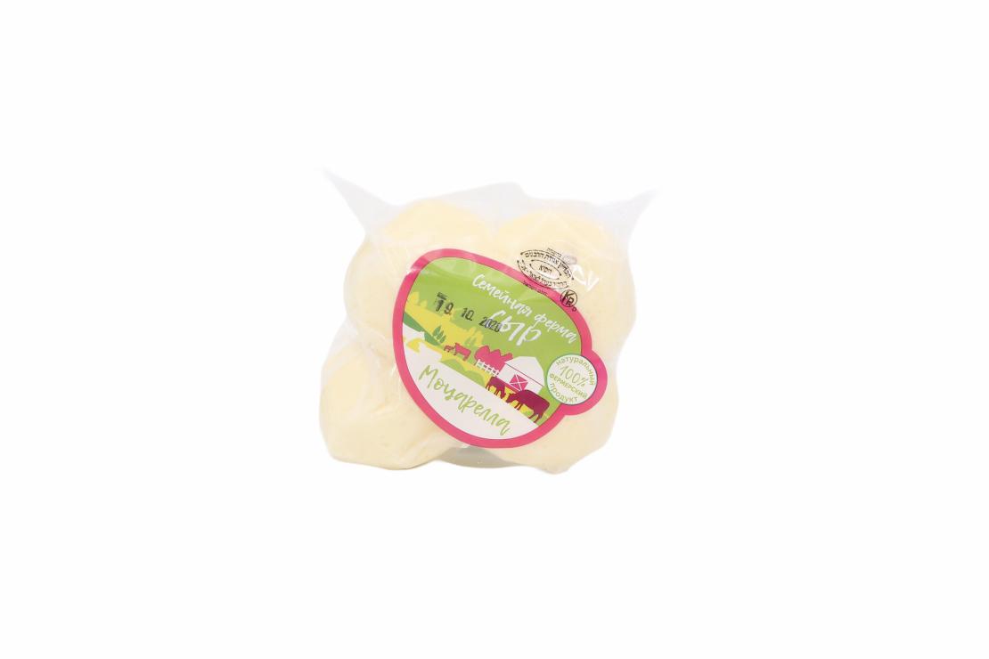 Сыр 'Моцарелла' 'Семейная Ферма' 350 г