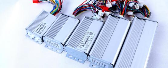 Контроллеры, бортовые компьютеры, приборные панели аксессуары для электросамокатов и электровелосипедов